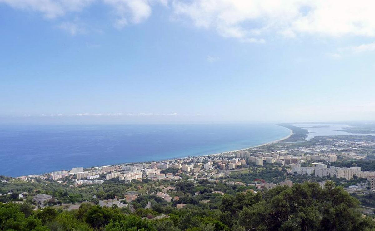 Vue sur la baie de Bastia depuis le gite Bastia La Razetta
